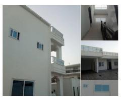 Cotonou Zone des Ambassades, très belle Villa duplex de 05 pièces