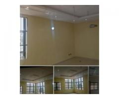Disponible à Akpakpa zone des embrassades un appartement de deux chambres salon