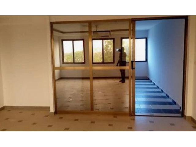 Il est mis en location un appartement de 02 chambres et salon sanitaires