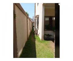 location une villa (nouvelle construction) à atrokpocodji dans la rue du Bar *WADJESS*.
