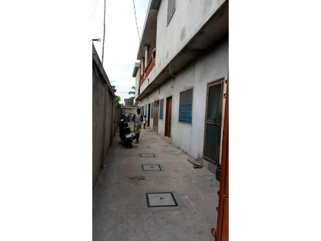 Immeuble locatif avec PH à vendre à Agla