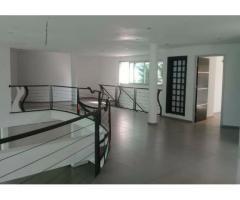 VENTE Rivera3 à proximité des lycées Français et Américains .vente d'un luxueu Duplex