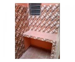 Une maison personnelle de #3 chambres salon sanitaire* de 80 mille