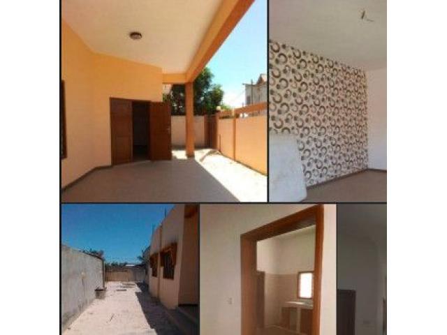 Atrokpocodji  une entrée personnelle de 3 chambres salons sanitaires