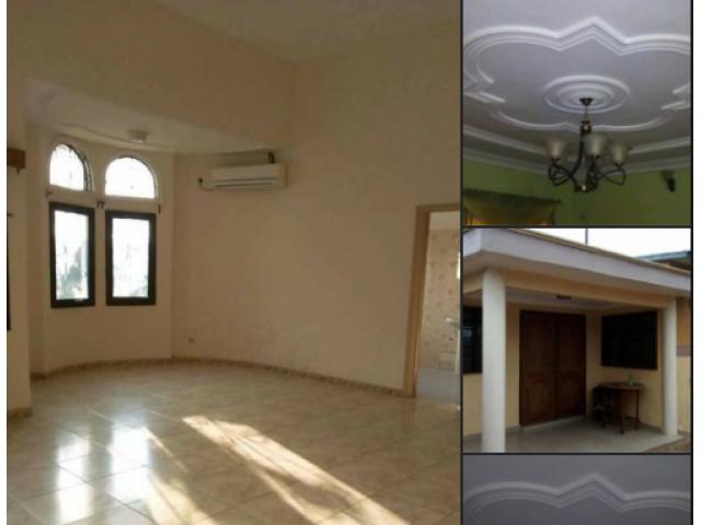 Villa meublée  de trois chambres à coucher sanitaires, deux douches, un salon et une salle à manger,