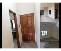 Nous mettons en location un appartement DEUX  CHAMBRES salon sanitaire très propre vaste